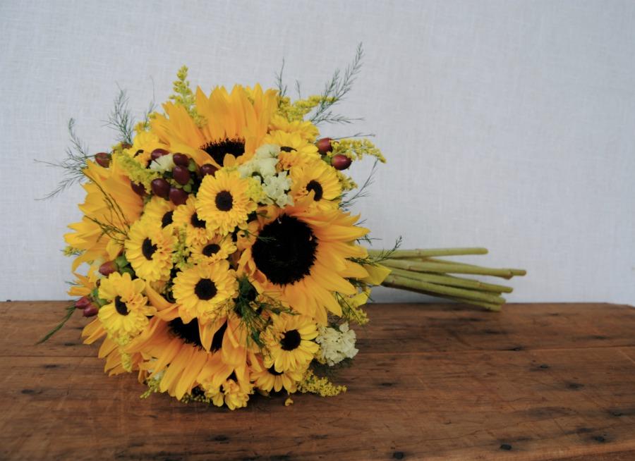 Ramo de novia girasoles Mayula Flores