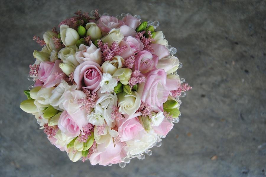 ramo de novia rosa y blanco