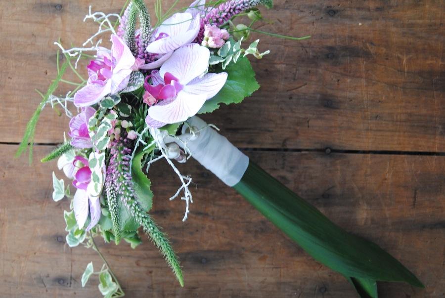 Ramo novia orquídeas rosas