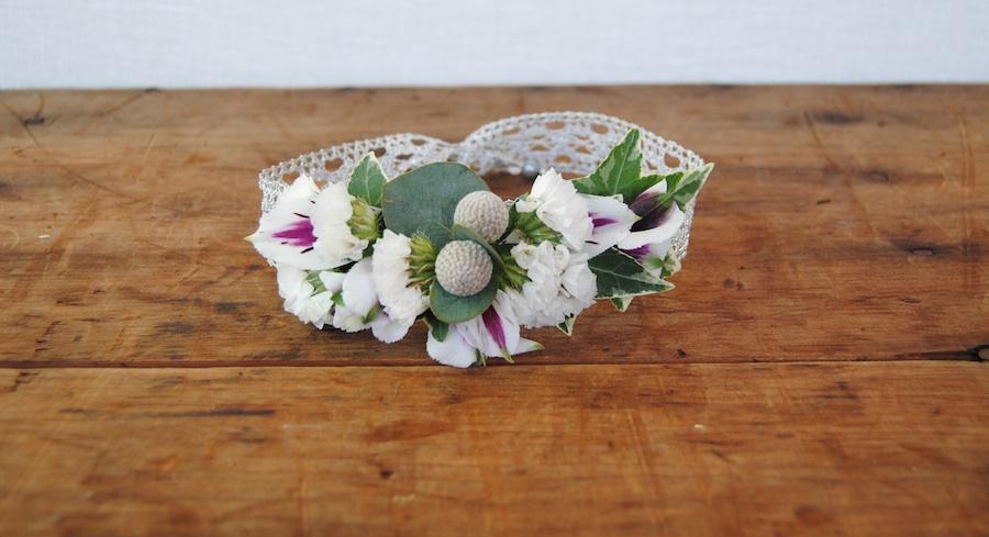 Pulsera con flores a juego con el ramo de novia para regalar
