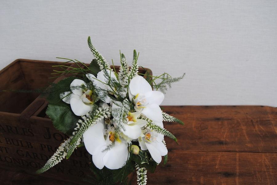 Ramo de Novia en blanco y verde con orquídea