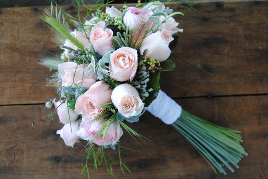 Ramo de novia natural , silvestre y romántico
