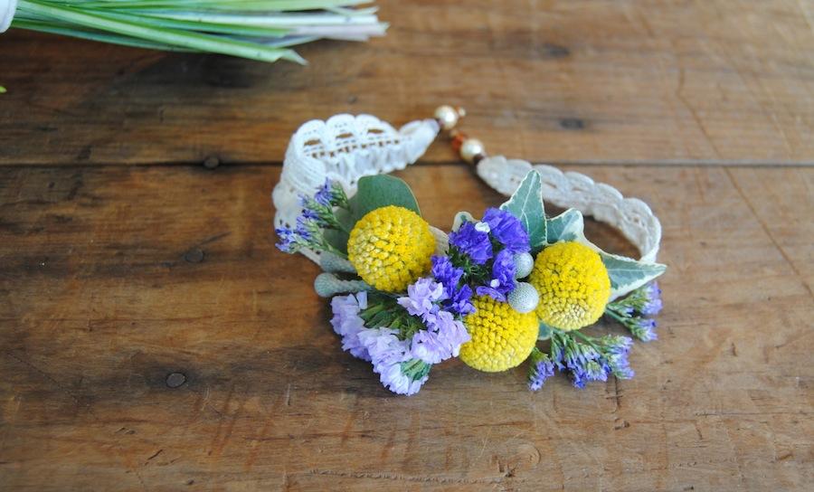 pulsera floral o corsage silvestre