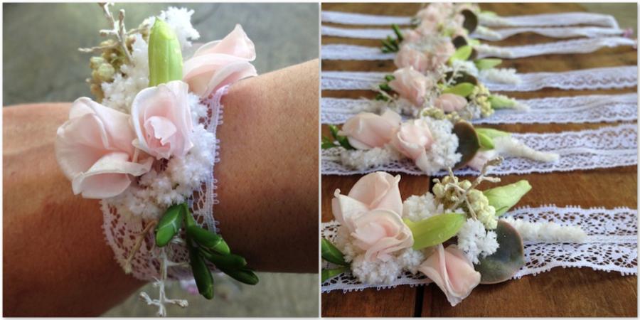 Pulseras o corsage flores