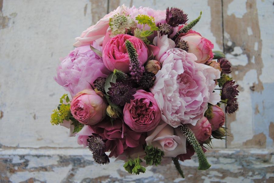 Ramo de Novia con peonias y rosas inglesas de jardín
