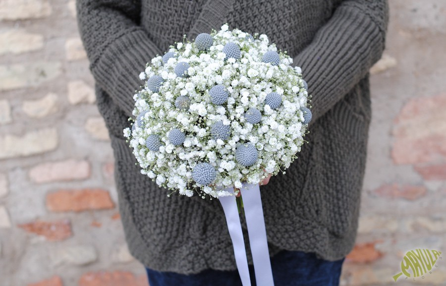 Bouquet con paniculata y craspedias