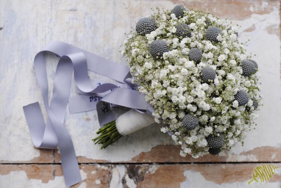 Ramo de novia sencillo con paniculata y craspedias