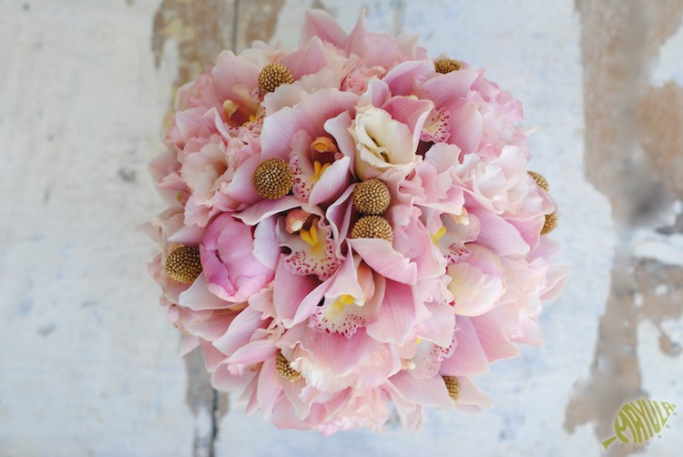 bouquet-rosa-y-oro