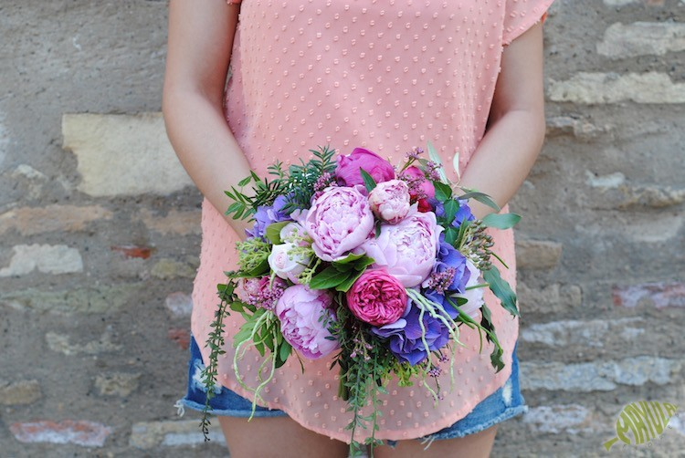 bouquet peonias
